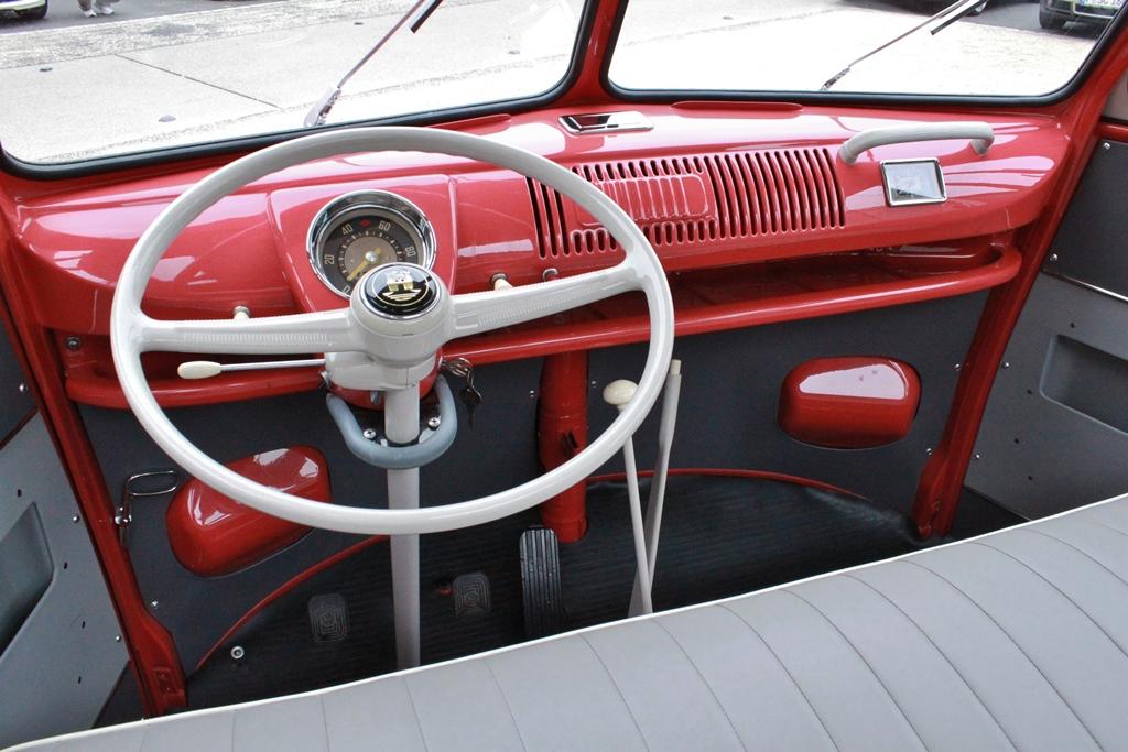 Volkswagen Vw T1 Samba Bus 171 Pyritz Classics Gmbh In Der